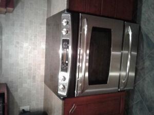 Cuisinière et réfrigérateur