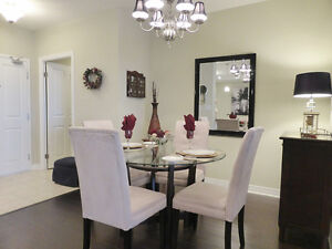 LUXURY LIVING IN HYDE PARK - QUICK POSSESSION - AWESOME PRICE! London Ontario image 4