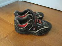 boys athletic shoes size 11