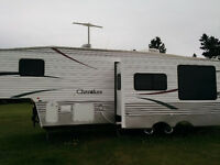 (2007) 28 ½ foot Cherokee Lite 5th Wheel (Model 285K)
