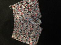Woman's new look floral skort, size 14