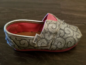 Toms toddler 6T shoes