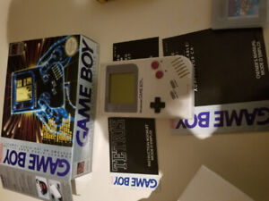 1989 original gameboy with box and games