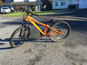 2015 Giant XTC jr 24 Inch Bike, $250.00