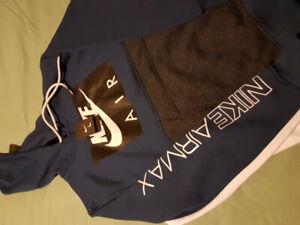 Brand name hoodie- Nike