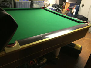 Gone pending pick up..Older 5x10 3 piece slate top snooker table