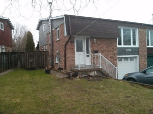 2+1 bedroom 2 bath Suite - Derry and Millcreek - Mississauga