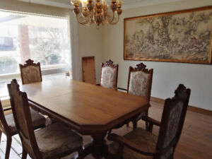 Oak Dining Set w/ table and 6 chairs