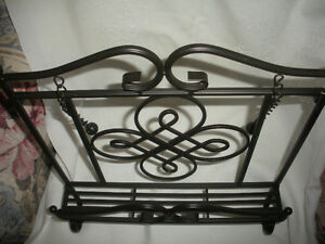 BLACK WROUGHT IRON COOK BOOK STAND