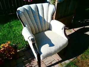 Vintage Wing Chair beige dragonfly design