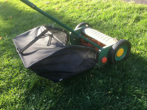 Lawn Mower - push mower - 'Sunlawn'