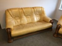 REDUCED * LUXURY 3 PIECE SUITE WITH STOOL LEATHER SOFA & CHAIRS & STOOL CHAIR