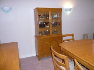 Price Reduced -- Duncan Pfyffe Dining Table and Chairs Kitchener / Waterloo Kitchener Area image 3