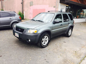 2007 Ford Escape XLT SUV,  fully Loaded super clean 2899$