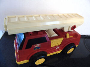 VINTAGE FRICTION LADDER TRUCK, EARLY 80'S,MADE IN JAPAN