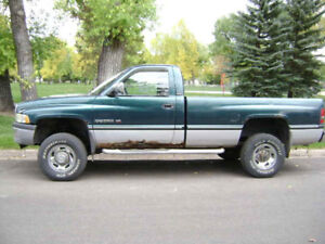 Looking for a NV4500 Or 5600 swap/ Whole truck