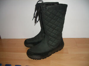 """"" ECCO """" winter  boots / bottes --- like NEW --- size 7 US"