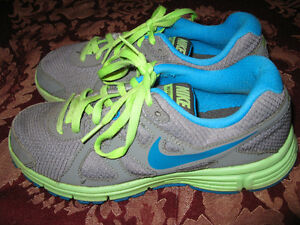 Running Shoes Nike Grandeur 4