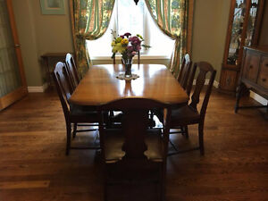 DINNING ROOM SET, TABLE and SIX CHAIRS, BUFFET and HUTCH,--$2000