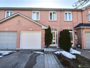 Open Hose: Gorgeous Freehold Townhouse in Thornhill