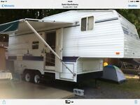 Fifth wheel 99 mallard 23.5 pied roulotte