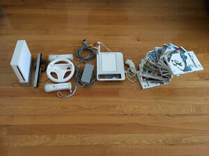 NINTENDO Wii with 13 Games & Accessories