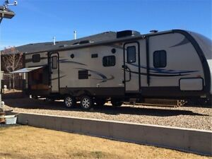 2013 Sunset ReserveTrailer 31Ft BH with Outside Kitchen