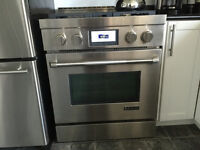JENN AIR GAS RANGE - USED ONE MONTH - BEAUTIFUL STOVE