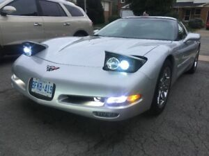 2001 Corvette Targa. Low KMs  HID lights. Custom stereo. Z51