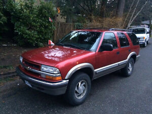 2000 Chevrolet Blazer LT *MUST SELL* *NEED GONE*