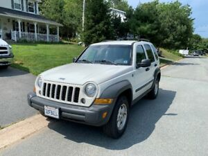 2006 Jeep Liberty Sport SUV w/ AC & extra set of winter tires!