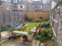 Sunny double room in fabulous Fulham house - all bills included