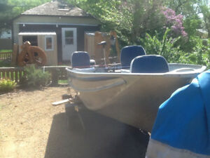 Great fishing boat,  trolling motor and trailer