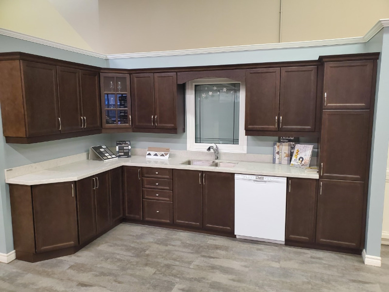 Complete showroom kitchen for sale!!   Hutches & Display ...