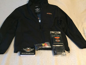 Heated HD motorcycle jacket w/portable accessory pack