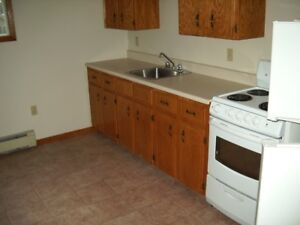 184 Greenwood Drive Apartments   North side     775.00