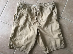 Gap beige shorts - large
