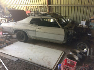 Two 1970 Pontiac Parisienne for restoring