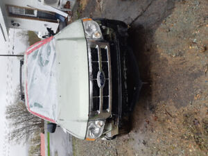 2008 Ford Escape for Parts
