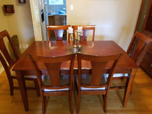 Beautiful Mahogany Dining Room Set With Buffet And Hutch