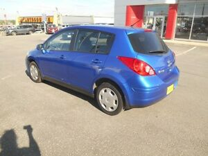 2009 Nissan Versa 1.8 S Hatchback Peterborough Peterborough Area image 4