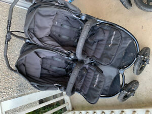 Bumbleride indie twin stroller and two MaxiCosi car seats