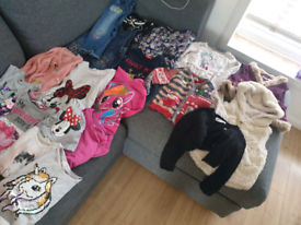Huge bundle of girls clothes size 2-4 years from Next,h&m and others