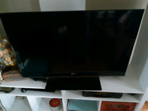 "LG 37"" LED TV - great condition $90 OBO"