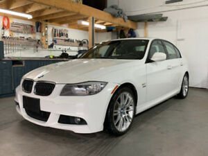 BMW 335xi 2011 - M Package - ttes options - financement dispo
