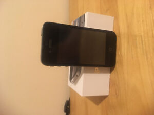 Excellent condition iPhone 4s locked to Telus
