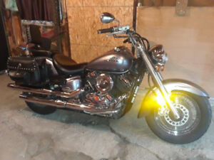 **** FOR SALE OR TRADE ****  2003 YAMAHA VSTAR 1100 CLASSIC