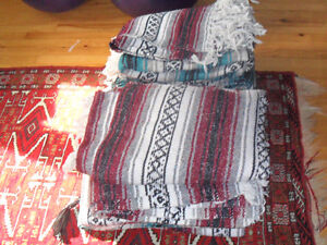 Yoga accessories: 3 bolster, 3 balls, 14 Mexican blankets