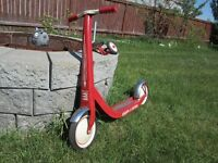 RADIO FLYER RETRO RED SCOOTER WITH TRAINING WHEELS