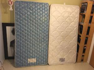 2 matelas pour lit simple
